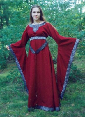 12th Century Gowns