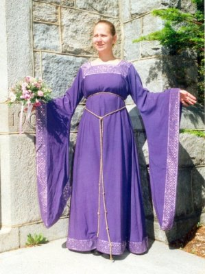 12th century gown with square neckline