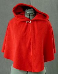 Cloak:2091, Cloak Style:Full Circle Short Cloak, Cloak Color:Red, Fiber / Weave:WindPro Fleece, Cloak Clasp:Plain Rope<br>Hook & Eye, Hood Lining:Self-lining, Back Length:21&quot;, Neck Length:18&quot;, Seasons:Winter, Fall, Spring.