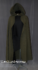 Cloak:2770, Cloak Style:Hobbit Style Cloak with Liripipe, Cloak Color:Green, Fiber / Weave:Woven 80/20 Wool Blend, Cloak Clasp:Leaf Silvertone Button, Hood Lining:Unlined, Back Length:50&quot;, Neck Length:20.5&quot;, Seasons:Fall, Spring, Note:This warm textured cloak is<br>perfect for a grand adventure.<br>It features a silvertone leaf button closure.<br>Open in the front for ease of movement<br>with a pointed Liripipe/ travelers hood.<br>Machine Washable..